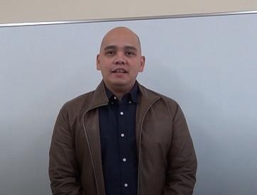 タガログ語講師